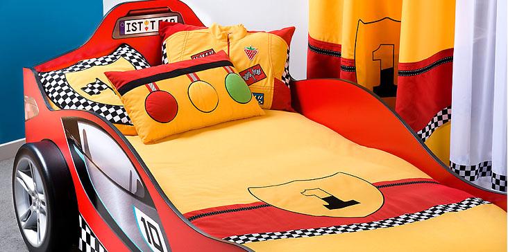 erkek cocuk odasi yatak ortusu