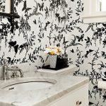 siyah beyaz kelebekli banyo duvar kagidi