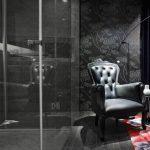 siyah desenli banyo duvar kagidi